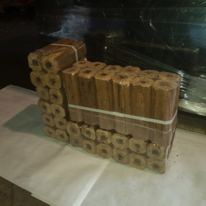 Pini-kay Pine Softwood Briquettes